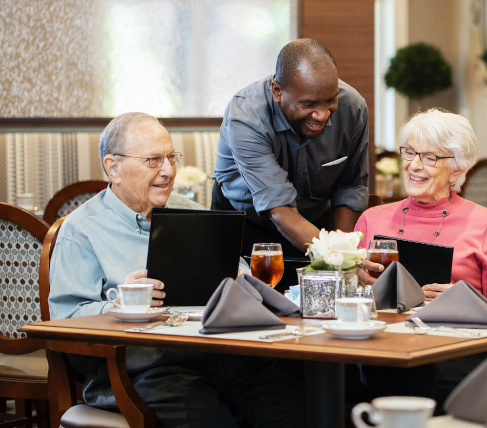 independent living residents dining in a common area